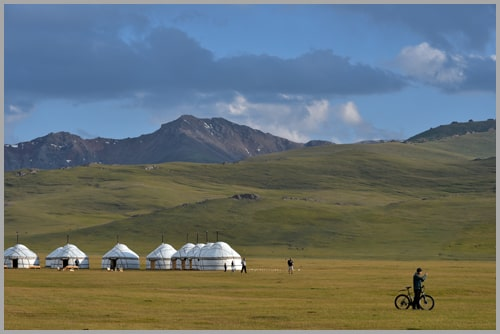 Silk Road Tours, car rent in Kyrgyzstan.